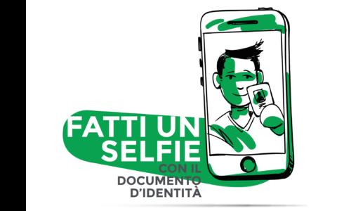 Selfie con documento di identità